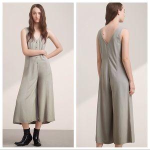 Aritzia Talula Ovington Jumpsuit Sleeveless Size 2